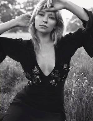 haley-bennett-dior-magazine-2016-photoshoot09